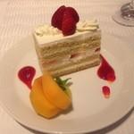 旬穀旬菜 - デザート・イチゴのショートケーキ