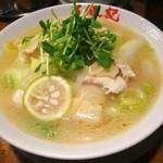 万豚記 - 鶏柚子麺