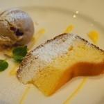 閏 - デザートのチーズケーキ