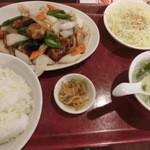 泰昌閣 - 酢豚定食は¥800である。