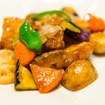 大戸屋 - 料理写真:真だらと野菜の黒酢あん定食 (824円)
