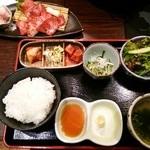 33271063 - 2014.12【ランチコース】サービス焼肉ランチ料理6品1580円(税抜)