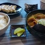 33273289 - ぱいくぅ麺と餃子とライス