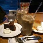 33275243 - 【2014.12.07】アイスカフェオレとプリンとガトーショコラ