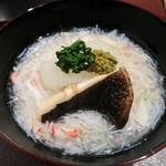 潤菜 どうしん - 聖護院大根と椎茸の蟹のすり流しに蟹味噌を添えて。