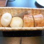 ラ ココット - おかわり自由のパン