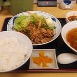 天竺 - 生姜焼き定食+半麺
