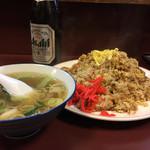 ラーメン天海 - チャーハンとスープ