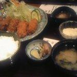 和幸 - 牡蠣フライ定食。