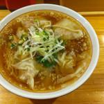 まるやす麺店 - ワンタンメン 860円