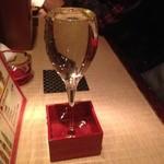 紅ね屋 - 枡ワイン