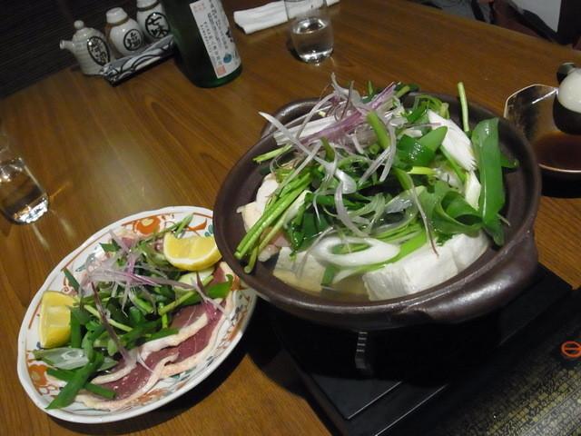 國酒の仕業 - 2階座敷の日本酒飲み放題+お任せ料理コース(5400円)は鴨鍋で始まりました