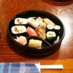 㐂楽 - とらふぐのお寿司入り 寿司盛り合わせランチ(1,080円→540円)♪