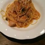 マーレマーレ - Aセットのシメジと鳥もものトマト煮込みソース パスタ