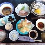 お食事処 味波季 - 日替わりランチ800円(土日祝無し)