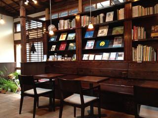 絵本とコーヒーのパビリオン