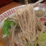 四方平 - スープと麺は、チャンポン仕様ではなく、ラーメンと同じでした。
