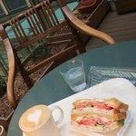 IDEE CAFE PARC - 素敵な木の椅子