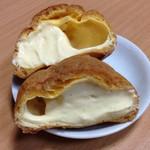 銀座コージーコーナー - ジャンボシュークリームはこんな感です。