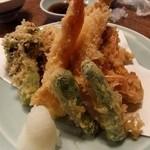 登良屋 - 天ぷら定食に+車海老
