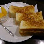 cafe なかちよ - トースト@cafeなかちよ(2014年12月8日)
