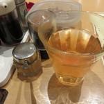 好々亭 - 温かいお茶