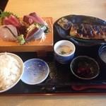 磯人 - 刺身四種トロ塩サバ定食