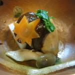 魚菜料理 赤井 - 小鉢の長芋の寄せ(長芋豆腐)と里芋に八丁味噌をかけたもの。