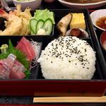 ウオツネ - 三色御膳1050円