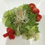 エトロワ食堂Ami - サラダ