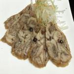エトロワ食堂Ami - 鶏皮サラミ。コラーゲンたっぷり。
