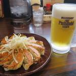 五味八珍 - 生ビールと餃子