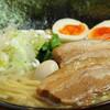 Yokohamaiekeiramenittouya - 料理写真:一刀盛り