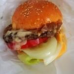 マンチーズ - チーズバーガー(950円)フライドポテト付き