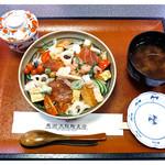 馬渕 - 「静岡ちらし 全景」… 茶碗蒸しもついてます(2013.03)