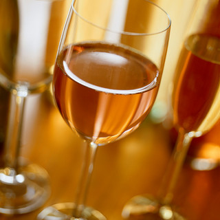 グラスワインは計12種類ご用意しております