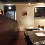 Ginsai 銀座 - 店内のテーブル席の風景です