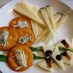 エル・パティオ - チーズ盛り合わせ(3種)700円