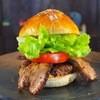 ととらべべハンバーガー - 料理写真:ととらべべハンバーガーを魅力を全て注ぎ込んだ「スペシャルバーガー」