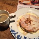 BONTA W - パンケーキクリームチーズとコーヒー