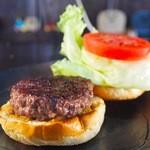 ととらべべハンバーガー - 地元和牛ブランドもとぶ牛100%を150g使用!当店最高傑作「もとぶ牛バーガー」