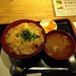 赤鶏農園 - とり屋の親子丼680円(税込)