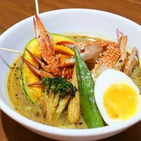 北の炎帝 - 【ワタリガニのスープカレー・1280円】カニの旨みの存在感が炎帝スープの中でさりげなく主張します。