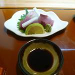 花隈 佐々木 - 刺身(高知産天然鰤、明石鯛、千葉産メバチまぐろ)