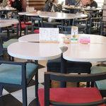 ア クールベール - 中央テーブル席