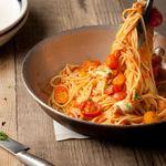 フリーマン カフェ - チェリートマトとモッツァレラのスパゲッティーニ