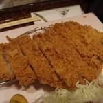 紅 - ロースかつ定食(1388円)