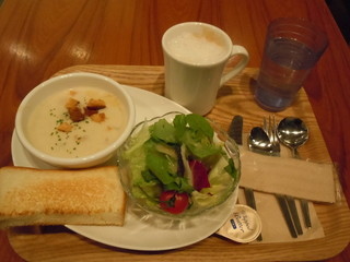 有楽町カフェ&ダイニング バイ ロイヤル