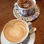 コーヒーハウス ソル  - カフェラテとカフェモカ