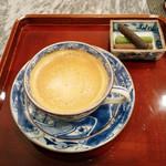 ふふふあん - コーヒー小菓子付。おかわり可能(500円+税)